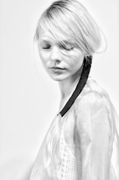 London Fashion Week「Bora Aksu: Backstage - London Fashion Week SS15」:写真・画像(2)[壁紙.com]