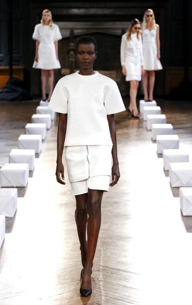 Black Shoe「Koonhor - Presentation - Mercedes-Benz Fashion Week Spring 2014」:写真・画像(11)[壁紙.com]