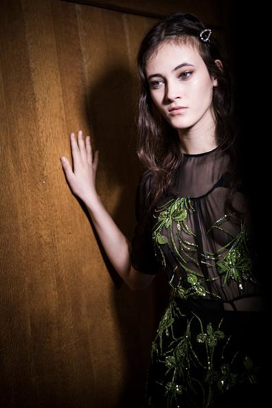 Tristan Fewings「N.21 - Backstage - Milan Fashion Week Fall/Winter 2017/18」:写真・画像(12)[壁紙.com]