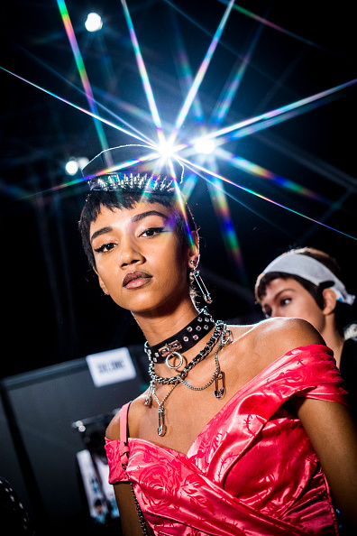 Tristan Fewings「Moschino - Backstage - Milan Fashion Week SS18」:写真・画像(6)[壁紙.com]