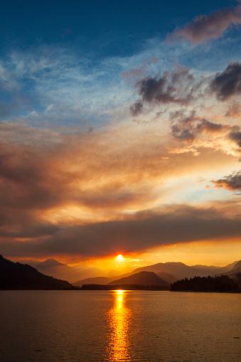 Pemberton「LillooetLake at sunset in Coast Mountain Range, British Columbia, Canada」:スマホ壁紙(5)