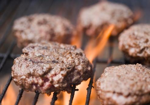 Carnivora「Hamburger patties cooking on grill」:スマホ壁紙(6)