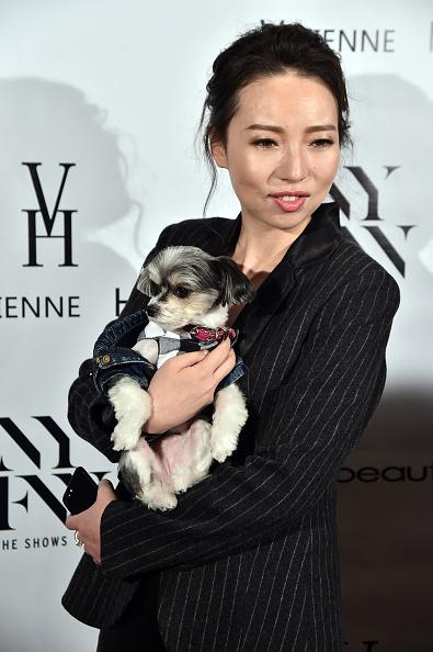 犬「Vivienne Hu Spring/Summer 2018 New York Fashion Week Runway Show - Backstage」:写真・画像(9)[壁紙.com]