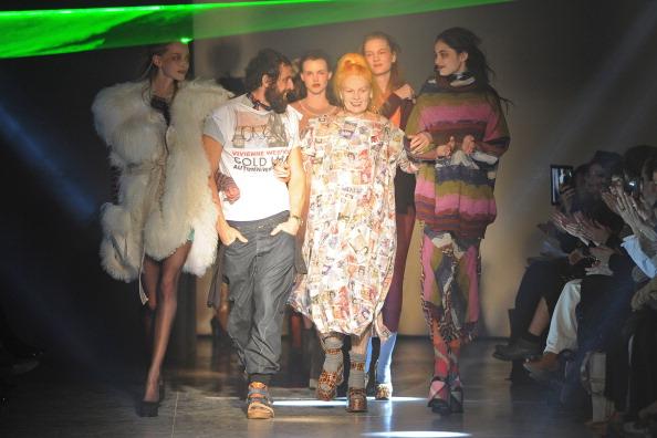 Gratitude「Vivienne Westwood: Runway - Paris  Fashion Week Womenswear Fall/Winter 2012」:写真・画像(17)[壁紙.com]