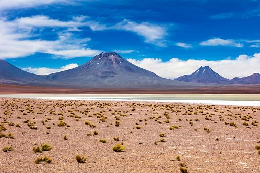 Volcanic Landscape「Remotely located Salar de Aguas Calientes at 3,950m in Atacama Desert, Chile, January 19, 2018」:スマホ壁紙(7)