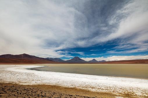 アタカマ「Remotely located Salar de Aguas Calientes at 3,950m in Atacama Desert, Chile, January 19, 2018」:スマホ壁紙(7)