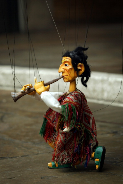 Bolivian Andes「Street Performers Audition For A Prized Busking Spot At Covent Garden Piazza」:写真・画像(3)[壁紙.com]