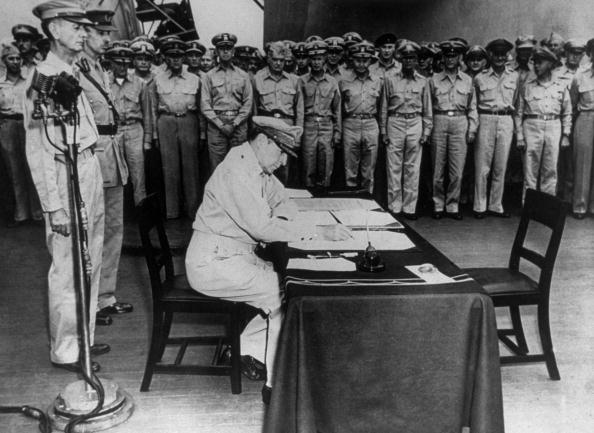 Japanese Surrender「Japanese Surrender」:写真・画像(1)[壁紙.com]