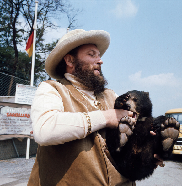 Brown Bear「Ivan Rebroff」:写真・画像(6)[壁紙.com]