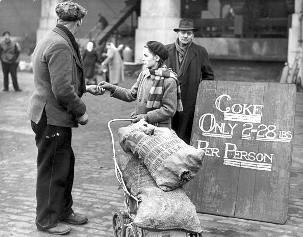 Fred Morley「Off-Ration Coke」:写真・画像(0)[壁紙.com]