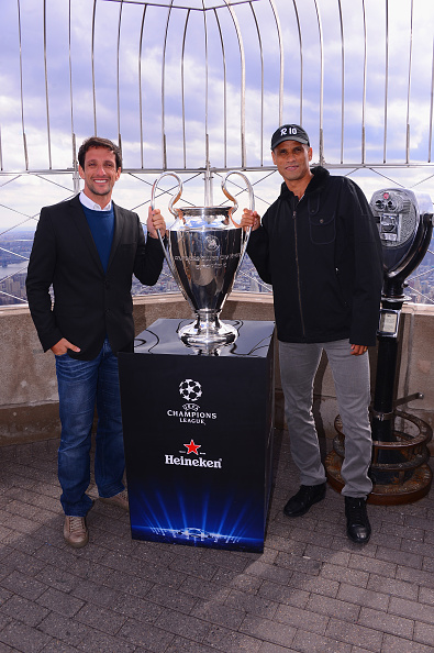 Empire State Building「UEFA Champions League Trophy On Top Of The Empire State Building」:写真・画像(6)[壁紙.com]