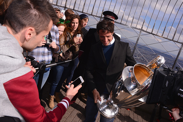 On Top Of「UEFA Champions League Trophy On Top Of The Empire State Building」:写真・画像(17)[壁紙.com]
