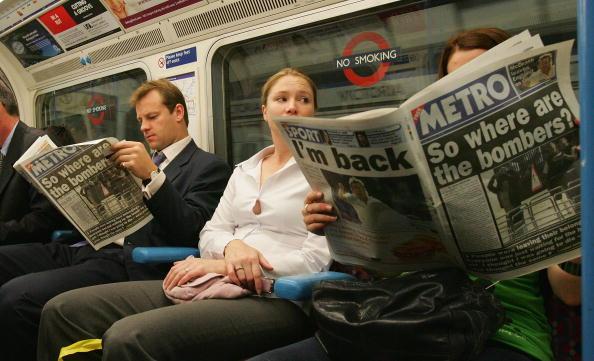 Subway「Tube Passengers Defy Bombers To Make Journey To Work」:写真・画像(18)[壁紙.com]