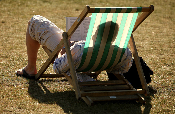 Adult「Londoners Make The Most Of Late Summer Sunshine」:写真・画像(15)[壁紙.com]
