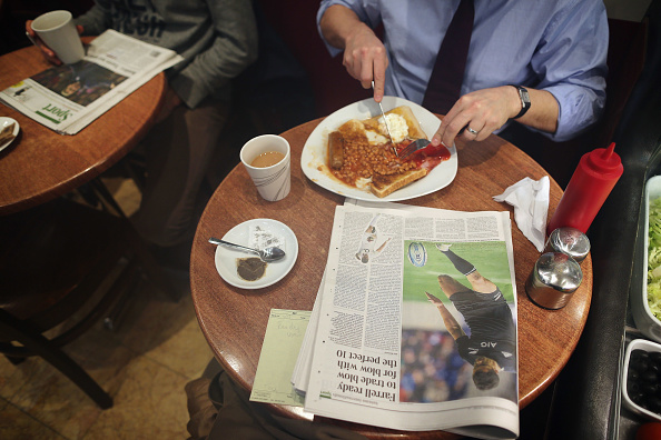 Breakfast「British Media Await Lord Justice Leveson's Report」:写真・画像(12)[壁紙.com]