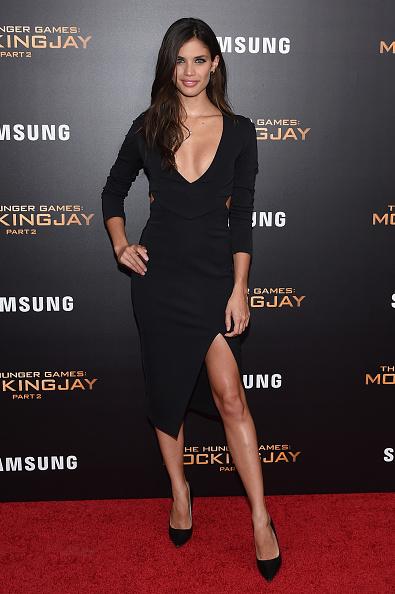 "Slit - Clothing「""The Hunger Games: Mockingjay- Part 2"" New York Premiere」:写真・画像(2)[壁紙.com]"