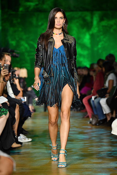 Elie Saab - Designer Label「Elie Saab : Runway - Paris  Fashion Week Womenswear Spring/Summer 2018」:写真・画像(16)[壁紙.com]