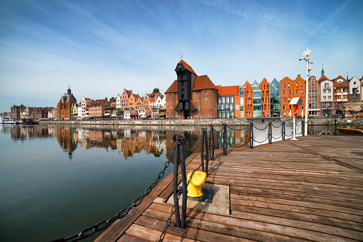 Footbridge「Poland, Gdansk, view to skyline with crane gate」:スマホ壁紙(9)
