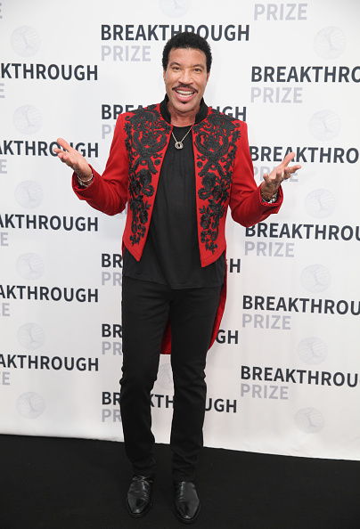 Tail Coat「2019 Breakthrough Prize - Backstage」:写真・画像(19)[壁紙.com]