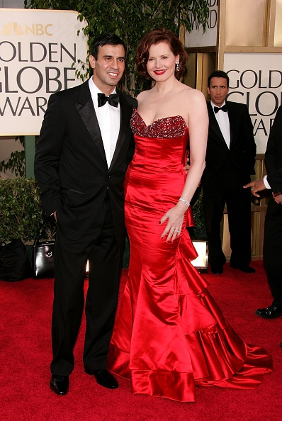 Showing Off「The 63rd Annual Golden Globe Awards - Arrivals」:写真・画像(0)[壁紙.com]