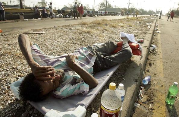 Recovery「Hurricane Katrina Hits Gulf Coast」:写真・画像(1)[壁紙.com]