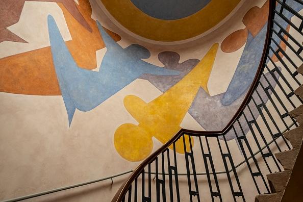 Art Product「Murals By Oskar Schlemmer In Main Building」:写真・画像(6)[壁紙.com]
