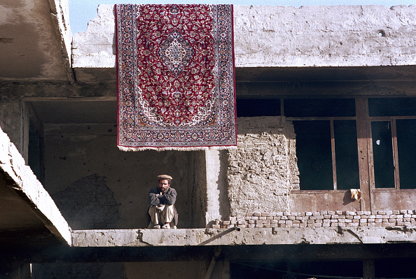 Kabul「Afghani in Ruins of His Home」:写真・画像(0)[壁紙.com]
