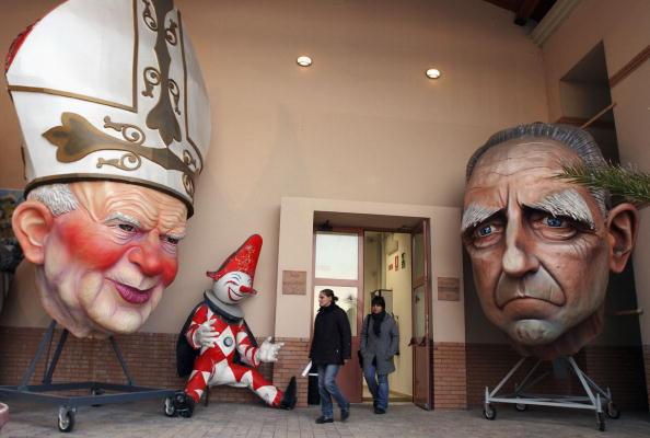 Tuscany「Residents Celebrate Viareggio Carnival」:写真・画像(12)[壁紙.com]