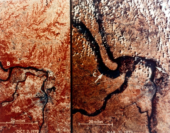 Missouri「Earth From Space - The Mississippi River And St Louis」:写真・画像(12)[壁紙.com]