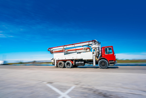 Struggle「Concrete truck on the road」:スマホ壁紙(19)