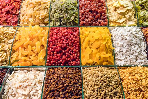 Market Stall「Various candied fruit display, Spice Bazaar Eminonu Istanbul Turkey」:スマホ壁紙(12)