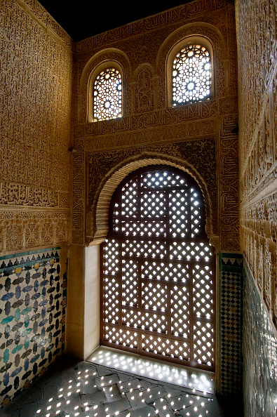 Alhambra - Spain「Alcazaba, the fortified military complex part of the Alhambra Palace complex in Spain」:写真・画像(3)[壁紙.com]