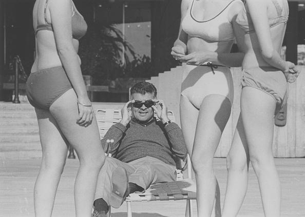 Stealth「Bikini Watching」:写真・画像(9)[壁紙.com]