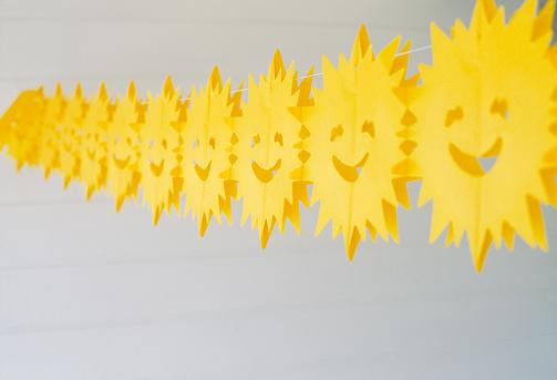 Shallow「String of paper suns」:スマホ壁紙(12)