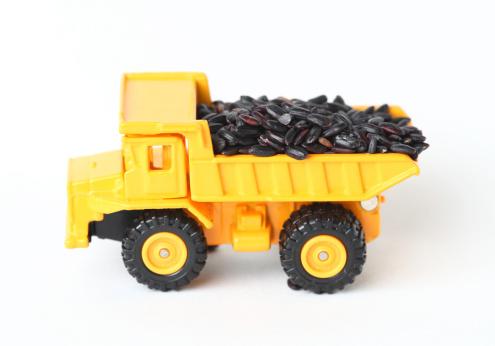 おもちゃのトラック「クリエイティブなおもちゃの車」:スマホ壁紙(15)