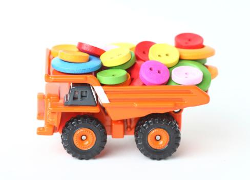 おもちゃのトラック「クリエイティブなおもちゃの車」:スマホ壁紙(17)