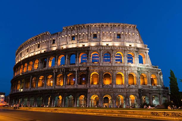 コロッセウム(ローマ・イタリア)のまとめ:2012年08月26日(壁紙.com)