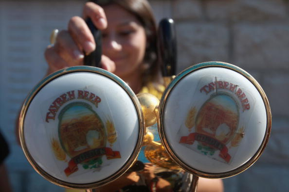 Drinking Glass「Palestinian Brewery Hosts West Bank Oktoberfest」:写真・画像(11)[壁紙.com]