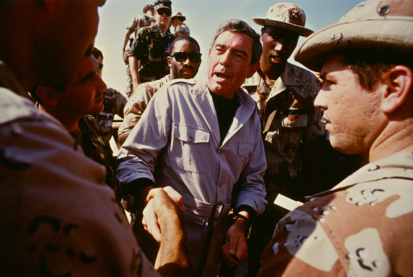Dhahran「Dan Rather In Saudi Arabia」:写真・画像(3)[壁紙.com]
