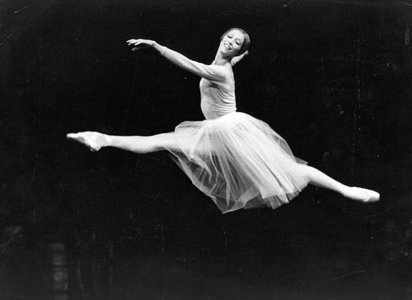 Jumping「Natalia Makarova」:写真・画像(19)[壁紙.com]