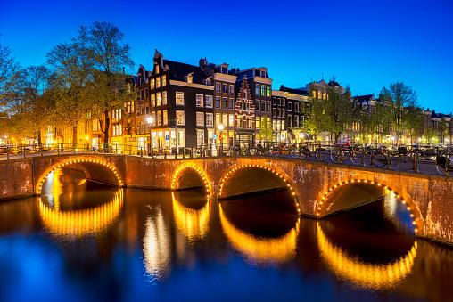 Amsterdam「Amsterdam City Scene Water Canal at Night」:スマホ壁紙(6)