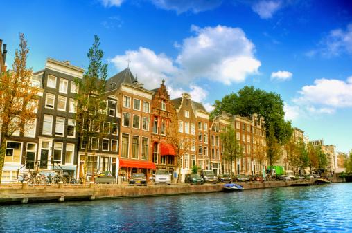 オランダ「アムステルダムの運河の風景」:スマホ壁紙(2)