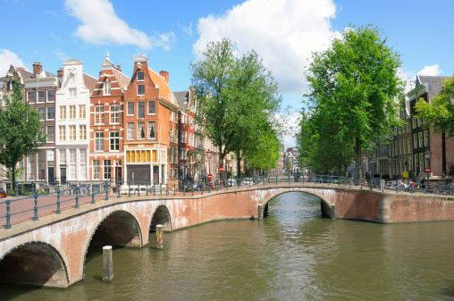Unrecognizable Person「Amsterdam canal houses」:スマホ壁紙(17)