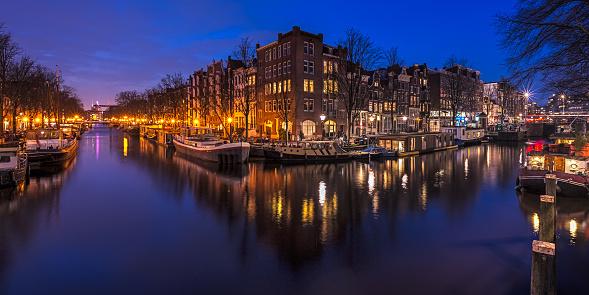 Amsterdam「Amsterdam canal at night, Holland」:スマホ壁紙(11)
