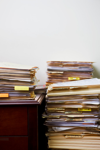Drudgery「stacks of files」:スマホ壁紙(17)