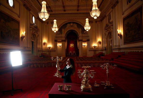 インテリア「Buckingham Palace Prepares For Its Summer Exhibition Entitled The Royal Welcome」:写真・画像(6)[壁紙.com]