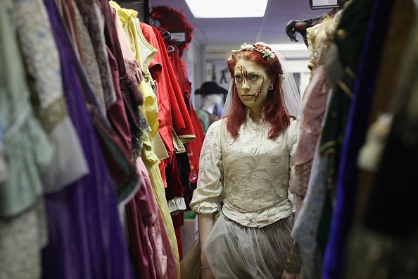Costume「Staff At Angels Fancy Dress Shop Prepare Costumes For The Halloween Season」:写真・画像(2)[壁紙.com]