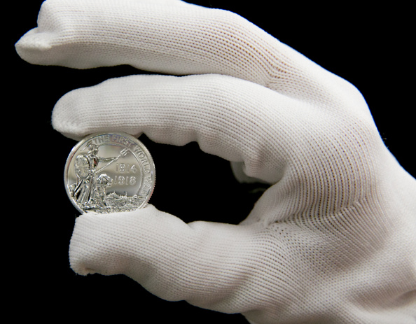 Royal Mint「Production Of Royal Mint's Commemorative WW1 Centenary Coin」:写真・画像(0)[壁紙.com]