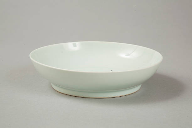 Qingbai glazed bowl with Xuande six character reign mark, 18th century:ニュース(壁紙.com)