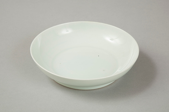 Crockery「Qingbai glazed bowl with Xuande six character reign mark, 18th century」:写真・画像(5)[壁紙.com]